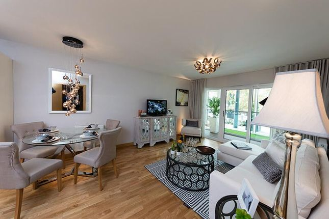 Thumbnail 1 bed flat for sale in 6th Floor, Langley Square, The Duke, Mill Pond Road, Dartford, Kent