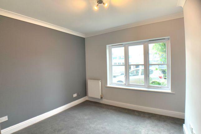 Thumbnail Flat to rent in Lytton Road, Barnet