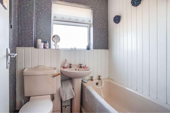 Bathroom of Britannia Drive, Stretton, Burton-On-Trent DE13