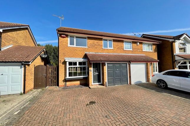 3 bed semi-detached house to rent in Puttney Drive, Kemsley, Sittingbourne ME10