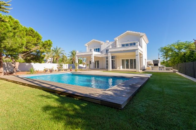 Thumbnail Villa for sale in Avda. Del Cabo, Costa Blanca South, Costa Blanca, Valencia, Spain