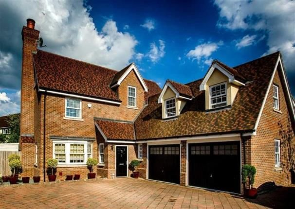 Thumbnail Detached house for sale in Fernlea Place, Billericay