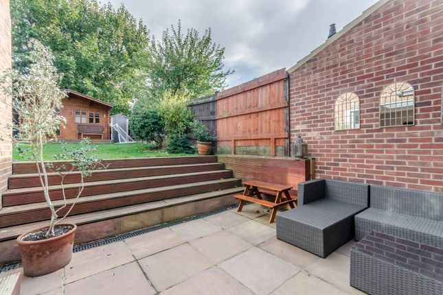 Thumbnail Semi-detached house for sale in Tilehurst Road, Earlsfield