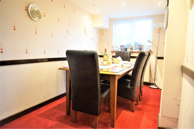 Dining Room of Curlew Crescent, Basildon SS16