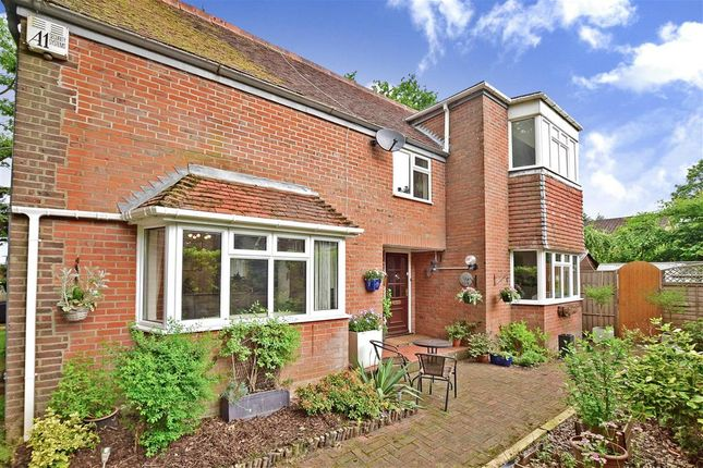 Thumbnail Detached house for sale in Highfield Gardens, Liss, Hampshire