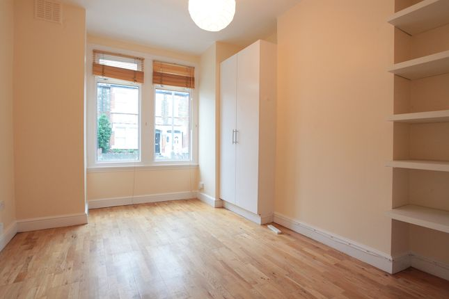 Thumbnail Flat to rent in Warner Road, Camberwell