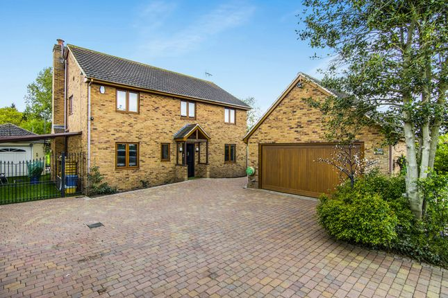 Thumbnail Detached house for sale in London Road, Billericay
