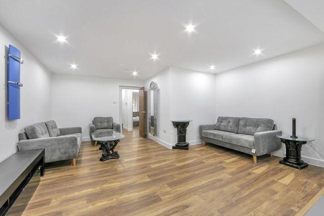 Thumbnail Flat to rent in Middleton Drive, London
