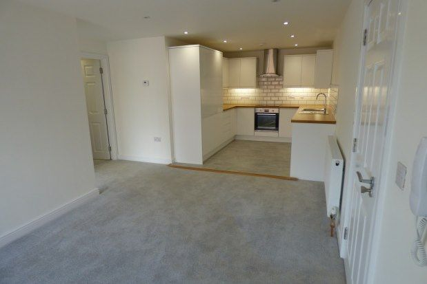 Thumbnail Flat to rent in Wareham Road, Poole