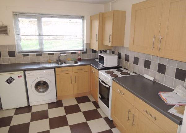 Thumbnail Flat to rent in Woodcock Close, Colchester