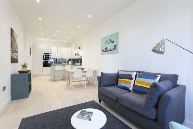Thumbnail Flat for sale in Grafton House, Brodrick Road