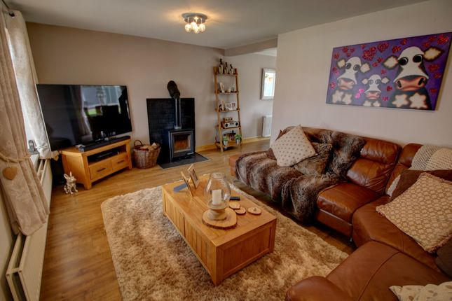 Lounge Photo 1 of Dunster Grove, Perton, Wolverhampton WV6