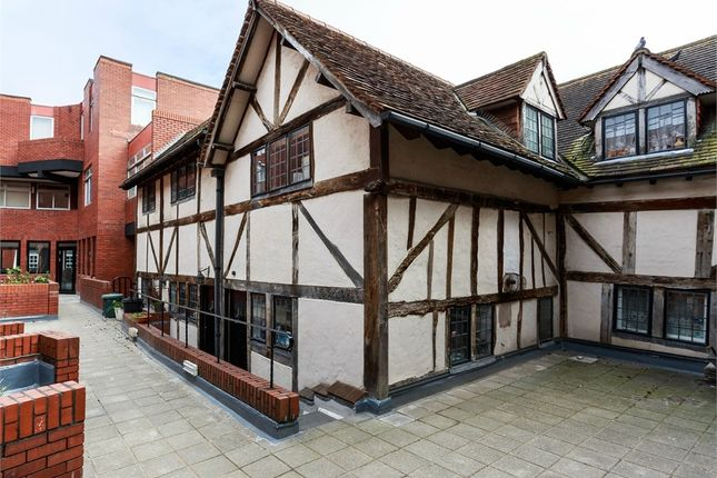Thumbnail Flat for sale in Queen Annes Court, Windsor, Berkshire
