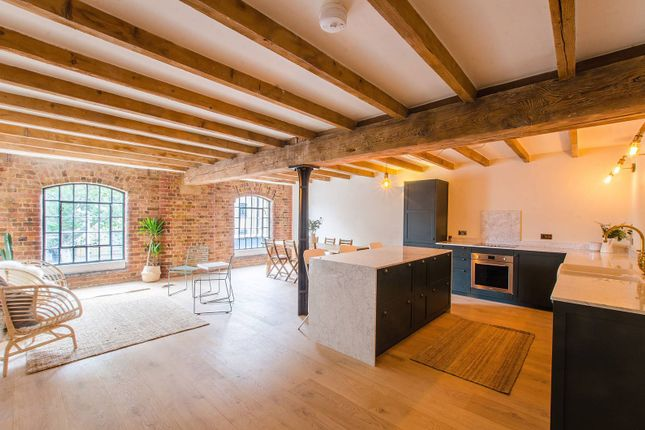 Thumbnail Flat to rent in Warehouse K, Royal Docks, London