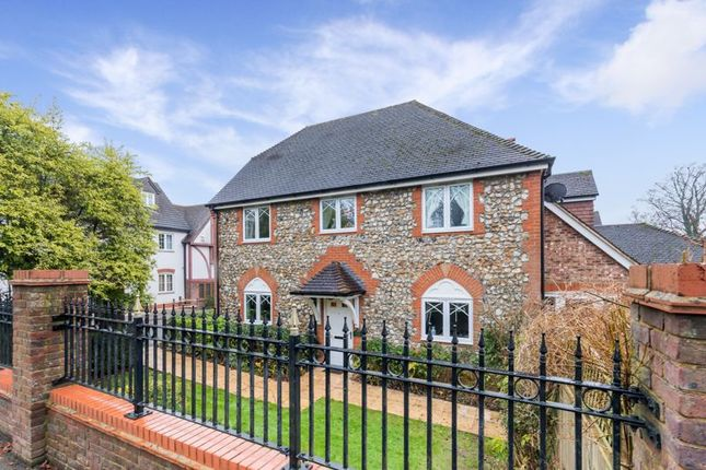 Thumbnail Property for sale in Walhatch Close, Forest Row