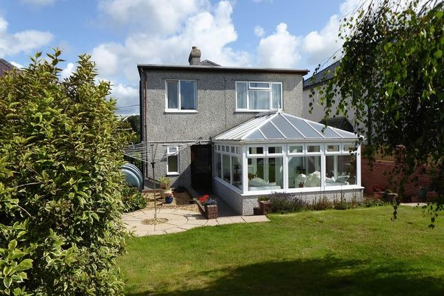 Thumbnail Detached house for sale in Bontnewydd, Caernarfon