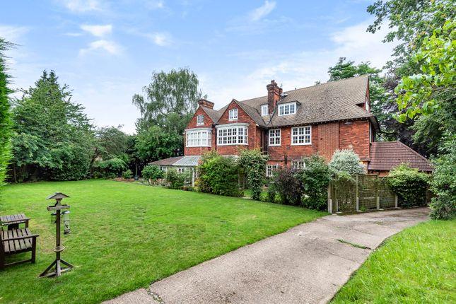 2 bed flat for sale in Bonchester Close, Chislehurst, Kent BR7