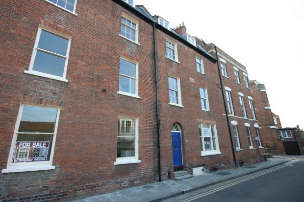 Thumbnail Flat to rent in Queen Street, Bridgwater