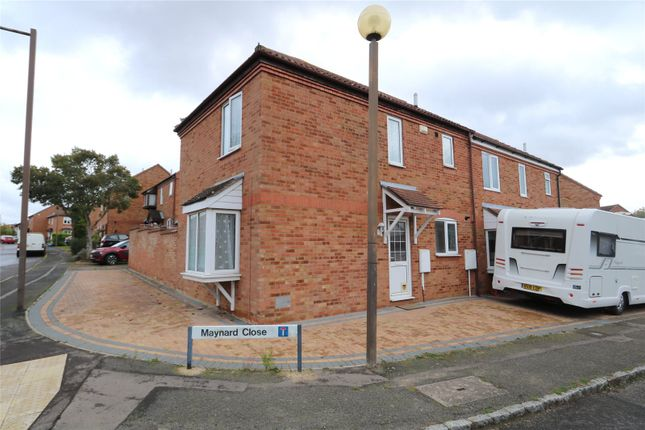 3 bed semi-detached house to rent in Maynard Close, Bradwell, Milton Keynes MK13