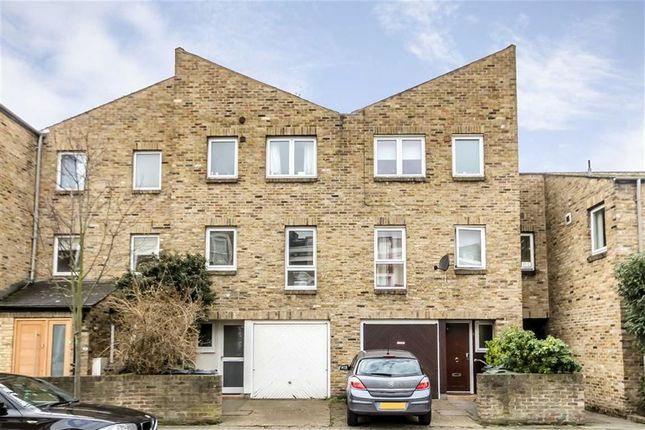 Thumbnail Property to rent in Clapham Manor Street, London