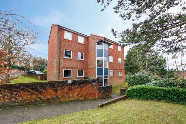 1 bed flat to rent in Timberling Gardens, Sanderstead CR2