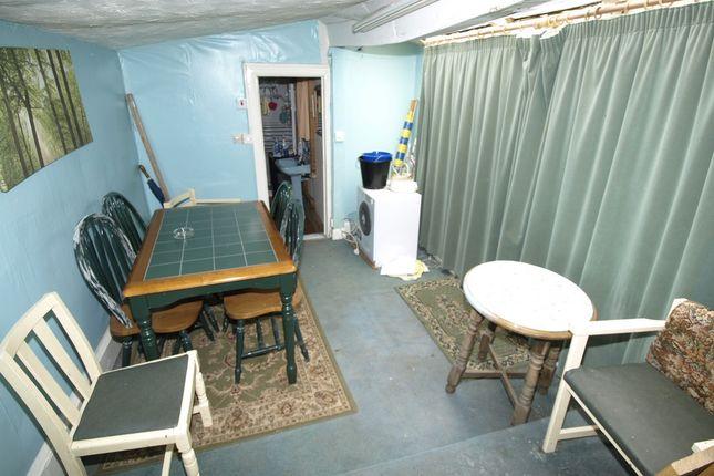Dining Room of Berrywell Bungalow, Kirkwood Bridge, Springvale S36