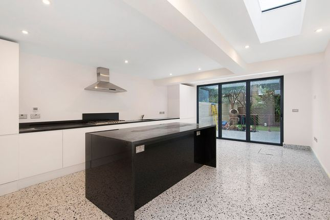 Thumbnail Property to rent in Pepys Road, London