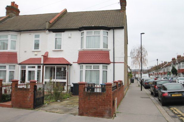 Thumbnail Terraced house to rent in Wiltshire Road, Thornton Heath