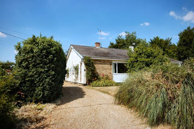 Thumbnail Semi-detached bungalow to rent in The Causeway, Elsworth, Cambridge