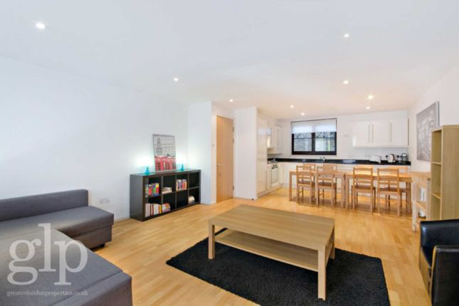 1 bed flat to rent in Shorts Gardens, Covent Garden
