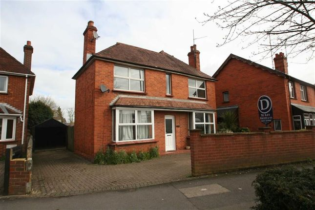 Thumbnail Detached house to rent in Kings Road, Newbury
