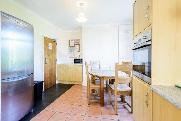 140 Alder Road - Kitchen (2)