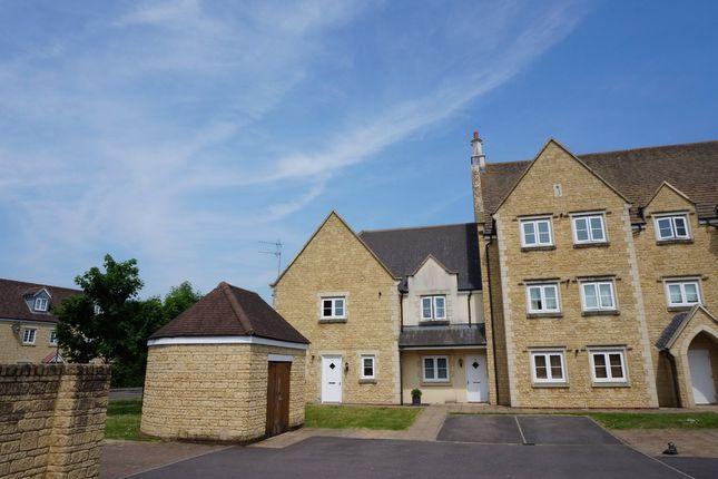 Thumbnail Maisonette to rent in Ariadne Road, Swindon