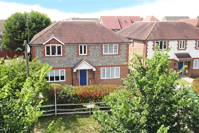 Picture No. 21 of Roundstone Lane, Angmering, West Sussex BN16
