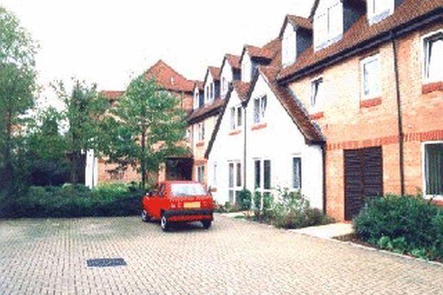 1 bed property for sale in Friern Watch Avenue, London