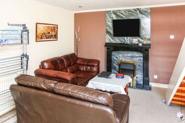 Lounge of Carny Street, Macduff AB44