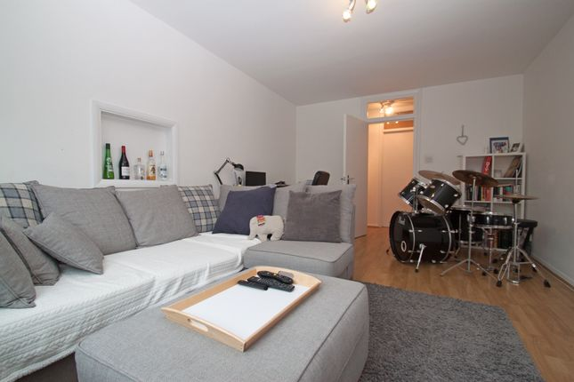 Thumbnail Flat to rent in High Road, New Southgate