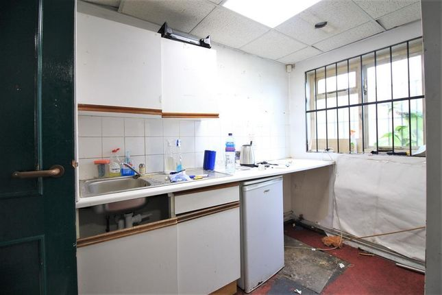 Kitchen of Hanworth Road, Hounslow TW4