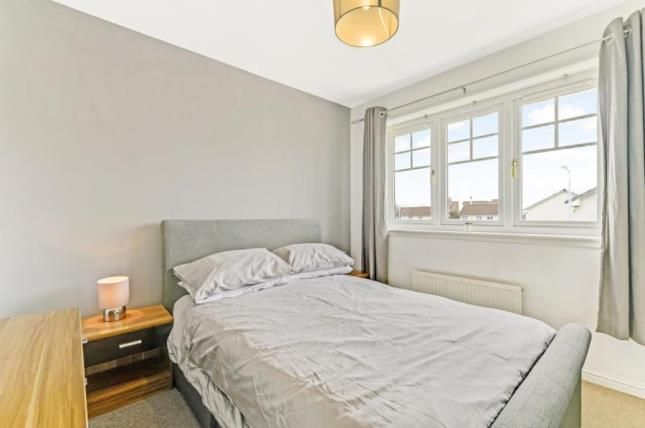 Bed 1 of Rosin Court, Kirkcaldy, Fife KY1