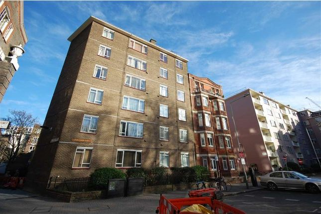 2 bed flat to rent in Red Lion Square, London