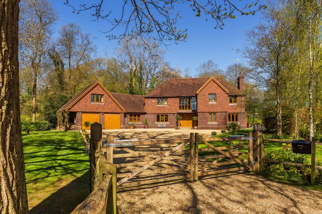 Thumbnail Detached house for sale in Furzefield Road, East Grinstead