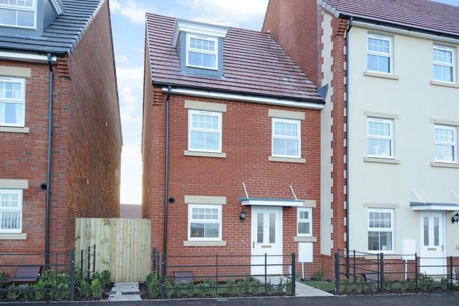 Thumbnail Town house to rent in Didcot, Great Western Park