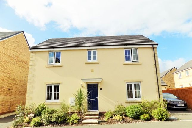 Thumbnail Property to rent in Meadowland Close, Caerphilly