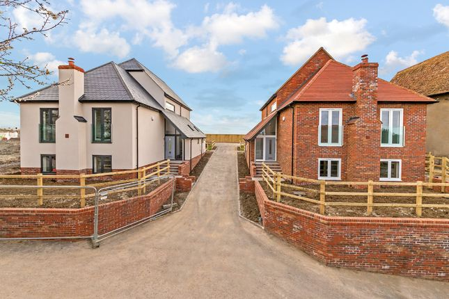 Thumbnail Detached house for sale in High Street, Tetsworth, Thame