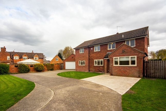 Thumbnail Detached house to rent in Toll Bar Road, Marston, Grantham
