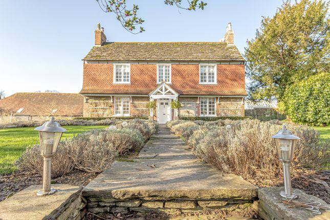 Thumbnail Detached house for sale in Tower Hill, Horsham