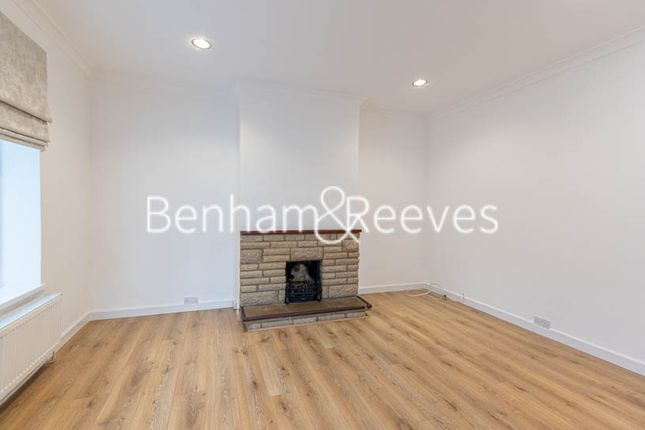 Thumbnail Flat to rent in Maurice Walk, Hampstead Garden Suburb