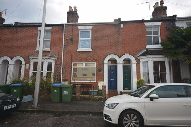 Terraced house to rent in Bath Street, Southampton