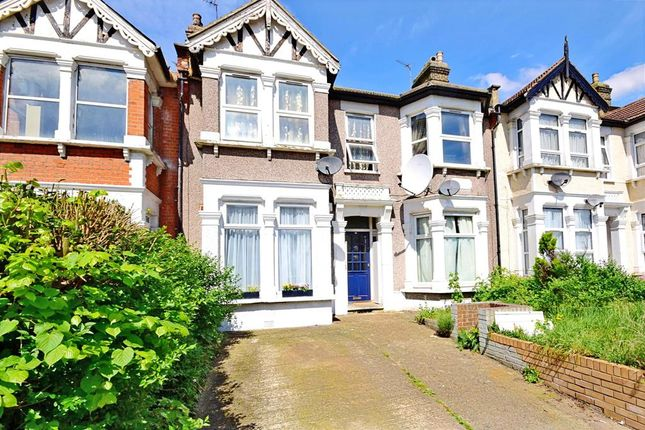 Thumbnail Flat for sale in Kensington Gardens, Ilford, Essex