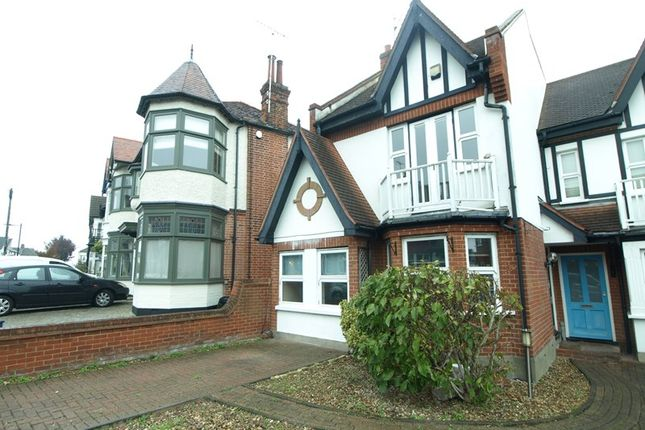 Thumbnail Property to rent in Woodfield Road, Leigh-On-Sea